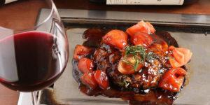 トマトの酸味とお好み焼きソースのバランスが抜群!京ちゃばな名物「トマトお好み焼き」